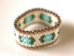 Maho's factory mahokochi.exblog.jp Peyote ring Beaded ring Beadwork Beadweaving Beading Peyote stitch ring