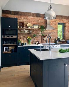 kitchen & dining room inspiration Yesterday I popped to a friends house at for a couple of hour Home Decor Kitchen, Kitchen Interior, New Kitchen, Kitchen Wood, Kitchen Modern, Kitchen Backsplash, Exposed Brick Kitchen, Kitchen Brick Backsplash, Kitchen Pantry