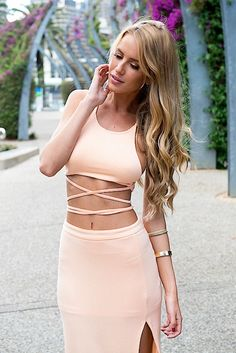 Peach Criss Cross Crop Top with Open Back #croptop #ustrendy #strappy