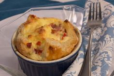 Panera Ham and Swiss Baked Egg Souffles - One of the easiest (and tastiest!) Panera copycat recipes you'll ever find. Straight from the tes - Breakfast Bread Recipes, Breakfast Dishes, Brunch Recipes, Breakfast Ideas, Breakfast Souffle, Souffle Pancakes, Mexican Breakfast, Breakfast Sandwiches, Breakfast Pizza