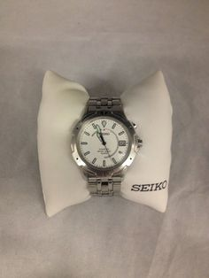 SEIKO Stainless Steel Kinetic Men's Wrist Watch (5M42-OH19) SOLD! Was available at Gadgets and Gold in Gainesville, FL!