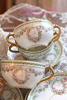 (via Vintage..Tea cups | Cherished China ♥ | Pinterest)