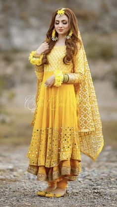 Mayun bride Pakistani Mehndi Dress, Bridal Mehndi Dresses, Beautiful Pakistani Dresses, Pakistani Formal Dresses, Shadi Dresses, Bridal Dress Design, Pakistani Bridal Dresses, Pakistani Wedding Dresses, Pakistani Dress Design