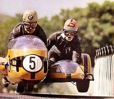 Vintage Motorcycles Sidecar Racing - This Lomotastic footage from the Isle of Man race in makes me all kinds of happy. There's a bit of racing, a bit of crashing and even sidecar racing. Old School Motorcycles, Racing Motorcycles, Maserati, Ferrari, Vintage Bikes, Vintage Motorcycles, Bmw Vintage, Vintage Trends, Vintage Designs