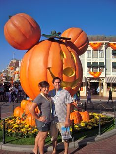 Mandatory #mickeypumkin pic @ Disneyland  #halloweentime