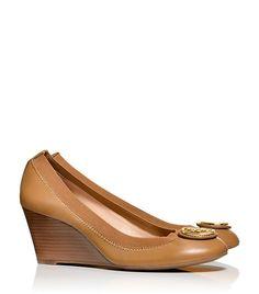 d1586dd32a97 683 Best Shoes images