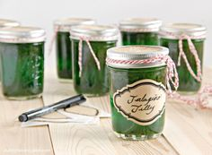This Christmas season I want to share all of my favorite edible gift ideas with you, things I love to make and receive. I thought I'd start this sugar-fest off with one of my absolute favorite things to eat over the holidays – Jalapeno Jelly. Is there really anything more delicious than crackers, cream cheese, …