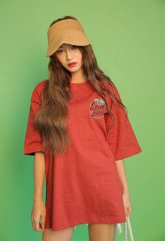 Oversized LONG BEACH Print T-Shirt | STYLENANDA