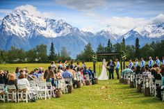 Amazing outdoor wedding ceremony surrounded by the mountains of Alaska #mountainwedding