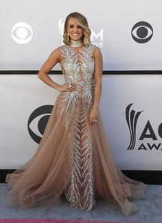 Singers Carrie Underwood and Miranda Lambert are among the celebrities who opted for floor length to walk the red carpet at ACM Awards Carrie Underwood, American Country Music Awards, Awards 2017, Miranda Lambert, Celebs, Celebrities, Just Amazing, Role Models, Carry On
