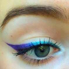 Makeup Looks Colorful Eyeliner Ideas Cat Eye Makeup, No Eyeliner Makeup, Makeup Art, Beauty Makeup, Hair Makeup, Kids Makeup, Eyeliner Pencil, Lila Eyeliner, Purple Eyeliner