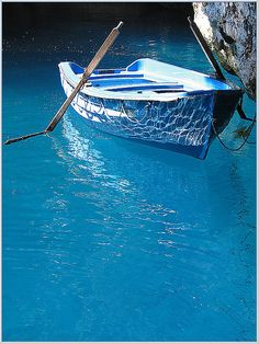 Blue Boat, Isle of Crete, Greece I love the blue water! Love Blue, Blue And White, Le Grand Bleu, Bleu Indigo, Blue Boat, Blue Canoe, Himmelblau, Blue Aesthetic, Something Blue