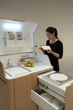 Chamada Kenchikukagu a série de mobiliários móveis foram projetados para trabalhar, dormir e comer, pela empresa japonesa Atelier OPA. Com funções altamente eficazes, como uma estação de trabalho, uma cama e uma cozinha móveis. A série permite que moradores de espaços pequenos tenham um mobiliário essencial para a vida urbana.