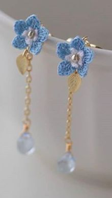 Would make cute bookmarks. Best Picture For dream catcher crochet earrings For Your Taste You are looking for something, and it is going to tell. Crochet Bookmark Pattern, Crochet Jewelry Patterns, Crochet Earrings Pattern, Crochet Bracelet, Crochet Accessories, Crochet Motif, Crochet Flowers, Handmade Jewelry Designs, Fabric Jewelry