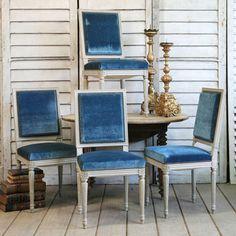 Gorgeous #peacock #blue #velvet chairs!!