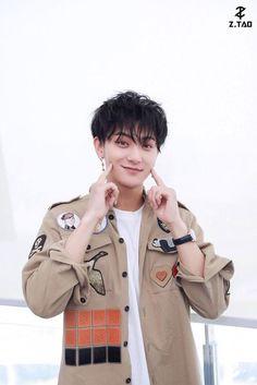 Qingdao, Kyungsoo, Chanyeol, Exo 12, Tao Exo, My Handsome Man, Huang Zi Tao, Kung Fu Panda, K Idol