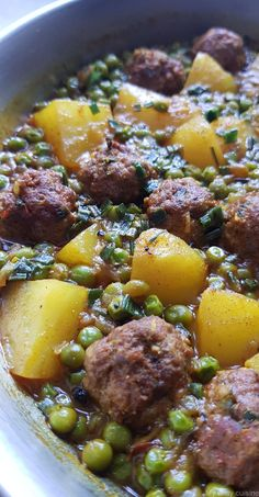 Tagine of minced meat, peas and potatoes - My .-Tajine de viande hachée, petits pois et pommes de terre – My tasty cuisine Tagine of minced meat, peas and potatoes – My tasty cuisine - Easy Pasta Recipes, Easy Healthy Recipes, Lunch Recipes, Meat Recipes, Healthy Dinner Recipes, Easy Meals, Cooking Recipes, Recipe Pasta, Tagine