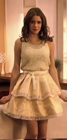 si eres mas tierna y mas simple no dudes en usar vestidos de color pastel ...