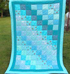 Quilts & Patchwork - Quilt-, Patchwork-Decke Türkis/Mint Blumenmuster - ein Designerstück von Schnoerkelwerk bei DaWanda