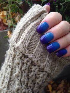 Color changing nails!! Blue when warm, purple when cold. Perfect for fall and winter. Nails, gel, manicure, shellac, nail art, nail designs, pretty nails, fall, winter, cold, warm, wedding