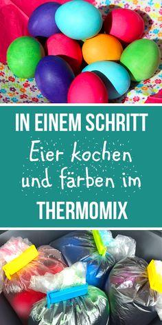Ist das nicht eine super Idee? Es geht so einfach und klappt wunderbar. Seit dem ich das Eier färben im #Thermomix ausprobiert habe mache ich es nur noch so. Gekochte Eier gelingen im Thermomix wirklich immer. #Osterbrunch #Brunch #Frühstück #eierkochenimthermomix #thermomixrezepte #thermomixrezeptefürkinder #allinone #thermomixtm5