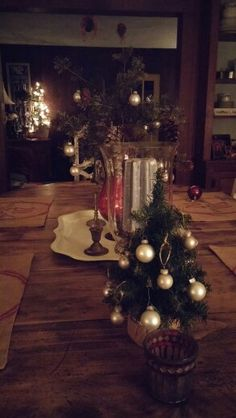 Maureen Porette Home Christmas Dining Room 2014