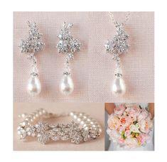 Dieses Angebot gilt für Piper 3 pc SET - Ohrringe, Anhänger, Armband Klassisch und wunderschön! Die Kombination aus Swarovski Perlen und Kristallen ist atemberaubend! Gezeigt mit Weißlicht/Elfenbein, Swarovski Perlen. Auch Sahne verfügbaren Wilth Swarovski Perlen. BITTE GEBEN SIE AN