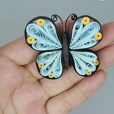 Quilling Butterfly, Paper Quilling Flowers, Paper Quilling Cards, Quilling Work, Paper Quilling Jewelry, Paper Quilling Patterns, Origami And Quilling, Quilled Paper Art, Quiling Paper