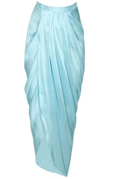 Batik Fashion, Skirt Fashion, Fashion Dresses, Indian Designer Outfits, Indian Outfits, Designer Dresses, Model Kebaya, Drape Sarees, Saree Gown