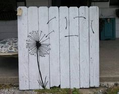 A nice way to fancy up the old stockade fence.