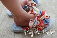 Scrap flip flops tutorial via Angela Yosten Paint your piggies. It's time to break out the flip flops! Make your own cute flip flops. Shoe Crafts, Fun Crafts, Holiday Crafts, Fabric Flip Flops, Diy For Kids, Crafts For Kids, Hair Bow Tutorial, Big Bows, Diy Clothing