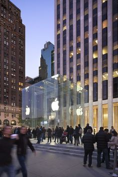 Apple Fifth Ave © Esto/Peter Aaron; Courtesy of Bohlin Cywinski Jackson