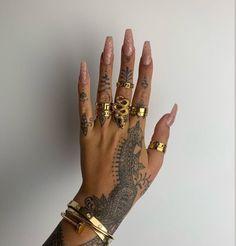 @yallitssarah Pretty Hand Tattoos, Tribal Hand Tattoos, Full Hand Tattoo, Hand Tattoos For Women, Dainty Tattoos, Hand Tats, Dope Tattoos, Finger Tattoos, Body Art Tattoos