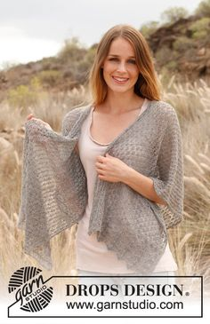 """Free pattern: Knitted DROPS shawl with lace pattern in """"Lace"""". ~ #DROPSDesign #Garnstudio"""