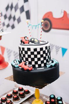 Πρωτότυπες ιδέες διακόσμησης βάπτισης αγοριού με θέμα το Rally Racing - EverAfter Boy Baptism, Cakes, Unique, Desserts, Food, Food Cakes, Tailgate Desserts, Deserts, Cake Makers