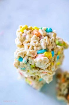 Lucky Charms treats - no bake marshmallow and butter lucky charms treats for Saint Patricks Day