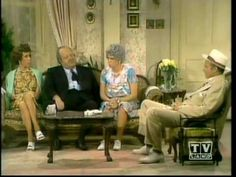 The Carol Burnett Show Mama's Family mamas new beau William Conrad Family Tv, Family Show, Funny Me, Hilarious, Funny Stuff, Lyle Waggoner, Harvey Korman, 70s Tv Shows, Comedy Skits