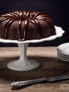 Bier im Kuchen? Unbedingt! Nicht wegen seiner berauschenden Wirkung, sondern wegen seines einmaligen Geschmacks. Ein saftiger Schokoladenkuchen der besonderen Art.