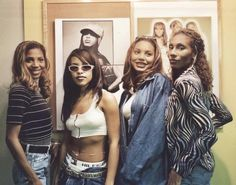 Aaliyah with the Braxtons The Most Beautiful Girl, Black Is Beautiful, Beautiful People, Aaliyah Singer, Rip Aaliyah, The Braxtons, Aaliyah Style, Aaliyah Haughton, Vintage Black Glamour