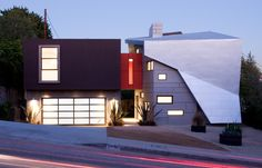 The modern geometric M-Vista home in Los Angeles, California is composed of a collection of daring folds, sharp angles and various volumes connected on the 10,000-sq.-ft. property. This contemporary design...