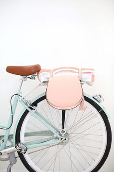 DIY Pannier Bags for Your Bike | http://lovelyindeed.com
