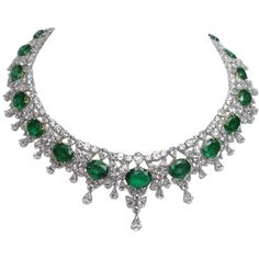 Magnificent Important Diamond Emerald Necklace ❤ liked on Polyvore featuring jewelry, necklaces, accessories, jewels, jewel necklace, diamond jewellery, emerald diamond necklace, emerald jewellery and emerald necklace