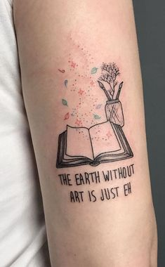 Awe-inspiring Book Tattoos for Literature Lovers - cute book tattoo ideas © tattoo artist Celeste Ciafarone 💕📚💕📚💕📚💕📚💕 - Koch Tattoo, Detailliertes Tattoo, Shape Tattoo, Get A Tattoo, Body Art Tattoos, New Tattoos, Small Tattoos, Sleeve Tattoos, Tattoo Quotes