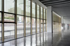 Disseny Museum in Barcelone (Spain) by MBM ARQUITECTES (Martorell, Bohigas, Mackay, Capdevila, Gual) ? Copyright : Martí Llorens, intaller : ACIEROID  #QuartzZinc #Architecture #Museum #Spain #Zinc #VMZINC #Project #FlatLock