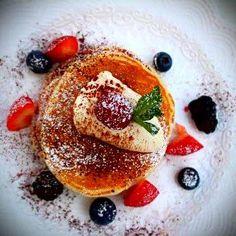 Berries pancakes