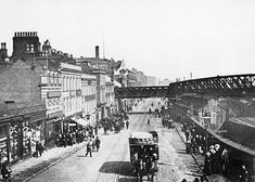 Station Street, Nottingham, late The Great Central Railway Bridge is in place, but the tramway has not yet been converted to electricity and it's before the 1904 rebuilding of Midland Station. Nottingham Station, Nottingham City, Scotland History, Old Train Station, Vintage London, History Photos, Leicester, Old Photos, Past