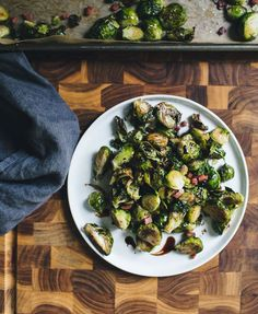 Ina Garten's Balsamic Roasted Brussels Sprouts | theclevercarrot.com
