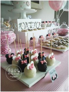Minnie Mouse Birthday Party Ideas   Photo 4 of 20