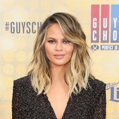 The tousled lob is so in right now, and so many celebs are hopping on board (Chrissy Teigen, Khloe Kardashian, Kendall Jenner and Jenna Dewan Tatum to name a few). This face-flattering style is actually very achievable if you know what you're doing! And if you don't know what you're doing, no need ...