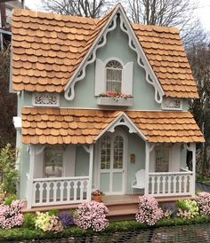 Arthur dollhouse exterior in daylight